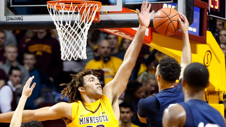 Blocks at the Barn: Lynch, Gophers deny Penn State