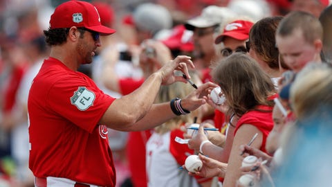 Mike Matheny with fans