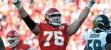 Chiefs extend Duvernay-Tardif's residency in KC
