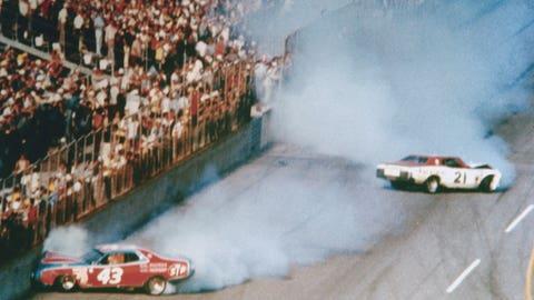 1976, David Pearson, 152.181 mph