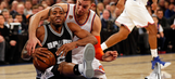 Spurs fall in New York to Knicks