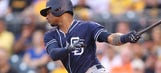 Padres' Bethancourt trying for pitcher/catcher role