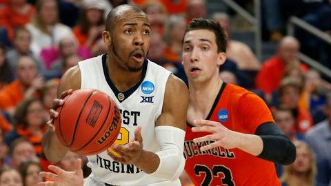 12:10, CBS: No. 4 West Virginia vs No. 5 Notre Dame