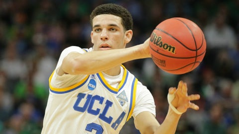 Lonzo Ball could play himself out of the Lakers' plans