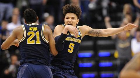 7:09, CBS: No. 3 Oregon vs. No. 7 Michigan
