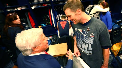 Robert Kraft: Tom Brady wants to play at least another half-decade