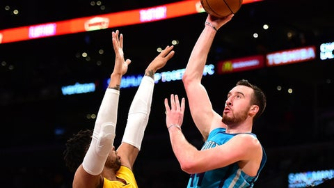 LOS ANGELES, CA - FEBRUARY 28:  Frank Kaminsky III #44 of the Charlotte Hornets scores over D'Angelo Russell #1 of the Los Angeles Lakers during the first half at Staples Center on February 28, 2017 in Los Angeles, California.  NOTE TO USER: User expressly acknowledges and agrees that, by downloading and or using this photograph, User is consenting to the terms and conditions of the Getty Images License Agreement.  (Photo by Harry How/Getty Images)