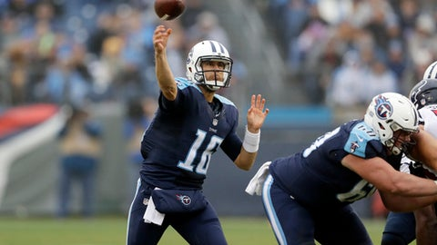 Tennessee Titans quarterback Matt Cassel (16) passes against the Houston Texans in the second half of an NFL football game Sunday, Jan. 1, 2017, in Nashville, Tenn. (AP Photo/James Kenney)