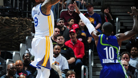 ATLANTA, GA - MARCH 6: Andre Iguodala #9 of the Golden State Warriors shoots the ball against the Atlanta Hawks on March 6, 2017 at Philips Arena in Atlanta, Georgia.  NOTE TO USER: User expressly acknowledges and agrees that, by downloading and/or using this Photograph, user is consenting to the terms and conditions of the Getty Images License Agreement. Mandatory Copyright Notice: Copyright 2017 NBAE (Photo by Scott Cunningham/NBAE via Getty Images)