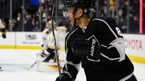 Los Angeles Kings right wing Jarome Iginla celebrates after scoring on Nashville Predators goalie Pekka Rinne in overtime of an NHL hockey game, Thursday, March 9, 2017, in Los Angeles. The Kings won 3-2. (AP Photo/Mark J. Terrill)