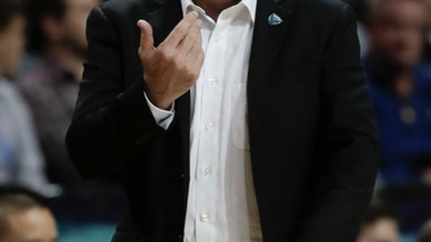 Notre Dame head coach Mike Brey motions to players in the second half of an NCAA college basketball game against Duke during the championship game of the Atlantic Coast Conference tournament, Saturday, March 11, 2017, in New York. Duke won 75-69. (AP Photo/Julie Jacobson)