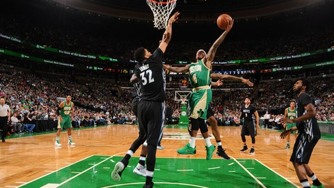 BOSTON, MA - MARCH 15: Isaiah Thomas #4 of the Boston Celtics shoots the ball against the Minnesota Timberwolves on March 15, 2017 at the TD Garden in Boston, Massachusetts.  NOTE TO USER: User expressly acknowledges and agrees that, by downloading and or using this photograph, User is consenting to the terms and conditions of the Getty Images License Agreement. Mandatory Copyright Notice: Copyright 2017 NBAE  (Photo by Brian Babineau/NBAE via Getty Images)