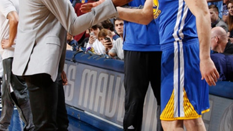 DALLAS, TX - MARCH 21: Kevin Durant #35 and Zaza Pachulia #27 of the Golden State Warriors shake hands before the game against the Dallas Mavericks on March 21, 2017 at the American Airlines Center in Dallas, Texas. NOTE TO USER: User expressly acknowledges and agrees that, by downloading and or using this photograph, User is consenting to the terms and conditions of the Getty Images License Agreement. Mandatory Copyright Notice: Copyright 2017 NBAE (Photo by Danny Bollinger/NBAE via Getty Images)