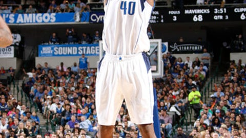 DALLAS, TX - MARCH 23: Harrison Barnes #40 of the Dallas Mavericks shoots the ball during the game against the Los Angeles Clippers on March 23, 2017 at the American Airlines Center in Dallas, Texas. NOTE TO USER: User expressly acknowledges and agrees that, by downloading and or using this photograph, User is consenting to the terms and conditions of the Getty Images License Agreement. Mandatory Copyright Notice: Copyright 2017 NBAE (Photo by Danny Bollinger/NBAE via Getty Images)