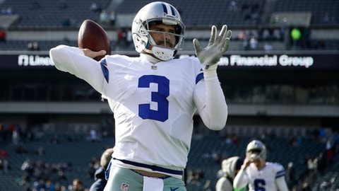Dallas Cowboys' Mark Sanchez warms up before an NFL football game against the Philadelphia Eagles, Sunday, Jan. 1, 2017, in Philadelphia. (AP Photo/Matt Rourke)