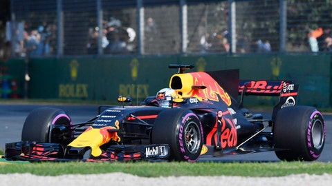 Red Bull driver Daniel Ricciardo of Australia steers his car during the Australian Formula One Grand Prix in Melbourne, Australia, Sunday, March 26, 2017. (AP Photo/Andy Brownbill)