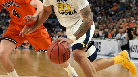 West Region: No. 5 Notre Dame vs. No. 4 West Virginia (12:10 p.m. ET)