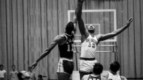 7. Wilt Chamberlain, 72, Warriors @ Lakers (11/3/62)