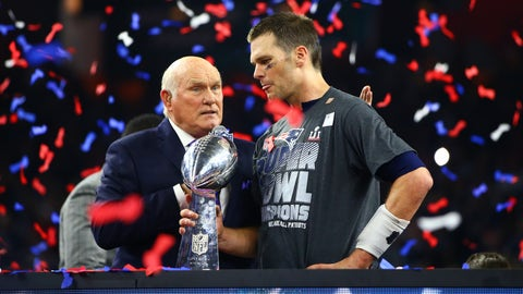 Shannon Sharpe: Tom Brady cannot escape Father Time