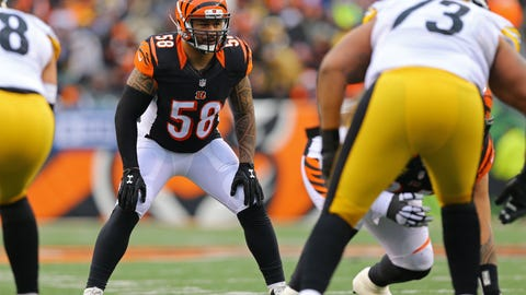 Dec 18, 2016; Cincinnati, OH, USA; Cincinnati Bengals middle linebacker Rey Maualuga (58) against the Pittsburgh Steelers at Paul Brown Stadium. The Steelers won 24-20. Mandatory Credit: Aaron Doster-USA TODAY Sports