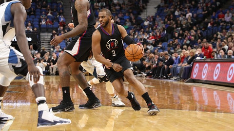 MINNEAPOLIS, MN -  MARCH 8: Chris Paul #3 of the LA Clippers handles the ball against the Minnesota Timberwolves on March 8, 2017 at Target Center in Minneapolis, Minnesota. NOTE TO USER: User expressly acknowledges and agrees that, by downloading and or using this Photograph, user is consenting to the terms and conditions of the Getty Images License Agreement. Mandatory Copyright Notice: Copyright 2017 NBAE (Photo by Jordan Johnson/NBAE via Getty Images)