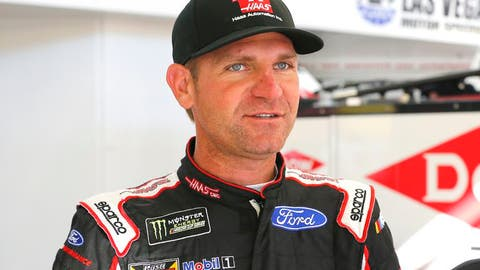 Clint Bowyer, +2