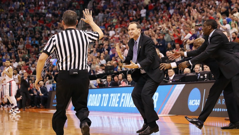 Controversy! Chris Collins blows game for Northwestern after blowing up over blown call
