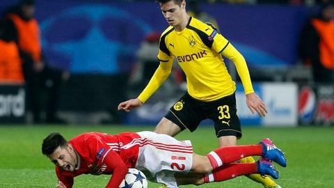 MF: Julian Weigl, Borussia Dortmund