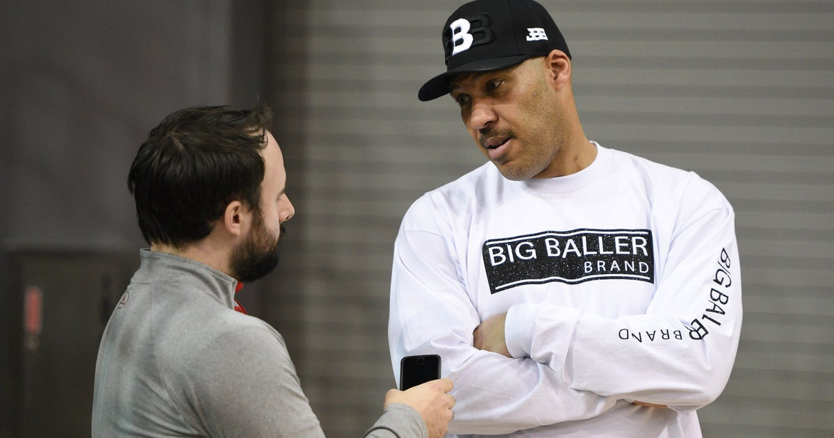 d01fe6cf7f0 LaVar Ball scoffs at LeBron James warning him not to talk about his kids