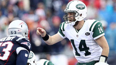 FOXBORO, MA - DECEMBER 24: Ryan Fitzpatrick #14 of the New York Jets calls a play during the first half against the New England Patriots at Gillette Stadium on December 24, 2016 in Foxboro, Massachusetts. (Photo by Maddie Meyer/Getty Images)