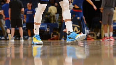 OAKLAND, CA - MARCH 14: The sneakers of Stephen Curry #30 of the Golden State Warriors are seen before the game against the Philadelphia 76ers on March 14, 2017 at ORACLE Arena in Oakland, California. NOTE TO USER: User expressly acknowledges and agrees that, by downloading and or using this photograph, user is consenting to the terms and conditions of Getty Images License Agreement. Mandatory Copyright Notice: Copyright 2017 NBAE (Photo by Noah Graham/NBAE via Getty Images)