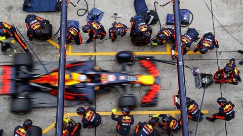 Daniel Ricciardo finished fourth place in the Chinese GP right behind his teammate Max Verstappen. (Photo: Steven Tee/LAT Images)