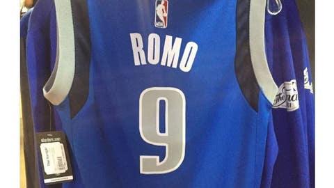 041117-NBA-Tony-Romo-Tweet-17