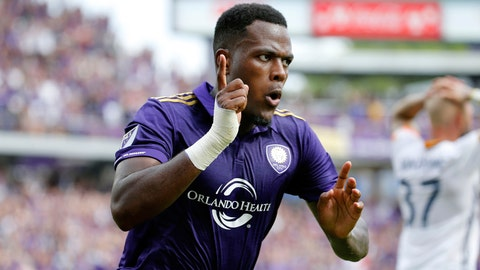 Larin is on fire, and he gets even hotter vs. NYCFC