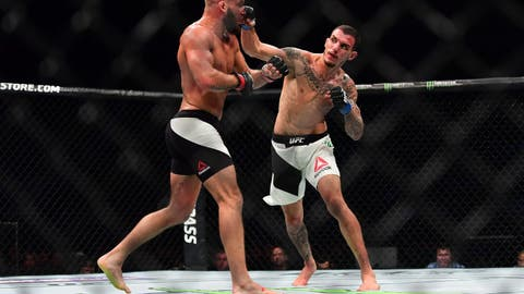 Renato Moicano defeats Jeremy Stephens by split decision
