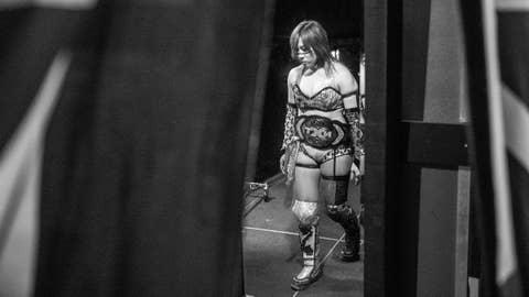 Asuka to Raw