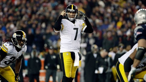 Pittsburgh Steelers quarterback Ben Roethlisberger (7) calls a play at the line of scrimmage during the second half of the AFC championship NFL football game against the New England Patriots, Sunday, Jan. 22, 2017, in Foxborough, Mass. (AP Photo/Matt Slocum)