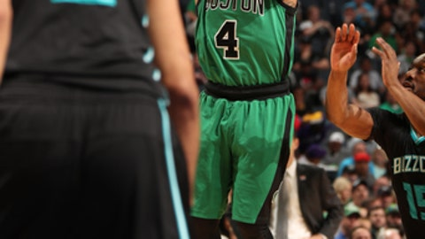 CHARLOTTE, NC - APRIL 8: Isaiah Thomas #4 of the Boston Celtics shoots the ball against the Charlotte Hornets on April 8, 2017 at Spectrum Center in Charlotte, North Carolina. NOTE TO USER: User expressly acknowledges and agrees that, by downloading and or using this photograph, User is consenting to the terms and conditions of the Getty Images License Agreement.  Mandatory Copyright Notice:  Copyright 2017 NBAE (Photo by Kent Smith/NBAE via Getty Images)