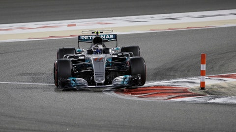 Mercedes driver Valtteri Bottas of Finland steers his car during the Bahrain Formula One Grand Prix, at the Formula One Bahrain International Circuit in Sakhir, Bahrain, Sunday, April 16, 2017. (AP Photo/Luca Bruno)