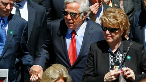 New England Patriots owner Robert Kraft, center, leaves St. Paul's Cathedral in Pittsburgh after attending a funeral mass for longtime Pittsburgh Steelers chairman, Pro Football Hall of Famer and former U.S. ambassador to Ireland Dan Rooney, Tuesday, April 18, 2017. Rooney died Thursday, April 13. He was 84. (AP Photo/Gene J. Puskar)