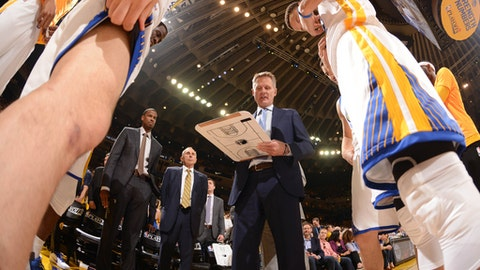 OAKLAND, CA - APRIL 19:  Steve Kerr of the Golden State Warriors huddles up with his team before Game Two of the Western Conference Quarterfinals against the Portland Trail Blazers during the 2017 NBA Playoffs on April 19, 2017 at ORACLE Arena in Oakland, California. NOTE TO USER: User expressly acknowledges and agrees that, by downloading and or using this photograph, user is consenting to the terms and conditions of Getty Images License Agreement. Mandatory Copyright Notice: Copyright 2017 NBAE (Photo by Noah Graham/NBAE via Getty Images)