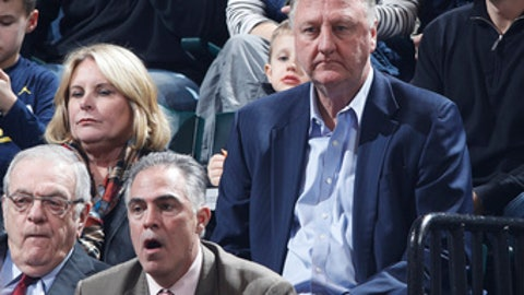 INDIANAPOLIS, IN - FEBRUARY 04: Indiana Pacers team president Larry Bird looks on along with his wife Dinah during the game against the Detroit Pistons at Bankers Life Fieldhouse on February 4, 2017 in Indianapolis, Indiana. The Pacers defeated the Pistons 105-84. NOTE TO USER: User expressly acknowledges and agrees that, by downloading and or using the photograph, User is consenting to the terms and conditions of the Getty Images License Agreement. (Photo by Joe Robbins/Getty Images)