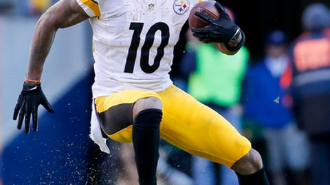 Pittsburgh Steelers wide receiver Martavis Bryant runs against the Denver Broncos during the first half in an NFL football divisional playoff game, Sunday, Jan. 17, 2016, in Denver. (AP Photo/Jack Dempsey)