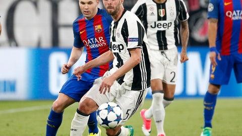 MF: Miralem Pjanic - Juventus