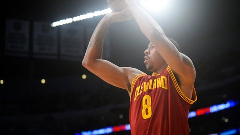 March 19, 2017; Los Angeles, CA, USA; Cleveland Cavaliers forward Channing Frye (8) shoots a basket against the Los Angeles Lakers during first half at Staples Center. Mandatory Credit: Gary A. Vasquez-USA TODAY Sports