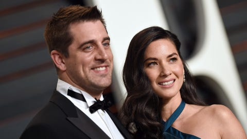 BEVERLY HILLS, CA - FEBRUARY 22:  Professional football player Aaron Rodgers and actress Olivia Munn arrive at the 2015 Vanity Fair Oscar Party Hosted By Graydon Carter at Wallis Annenberg Center for the Performing Arts on February 22, 2015 in Beverly Hills, California.  (Photo by Axelle/Bauer-Griffin/FilmMagic)