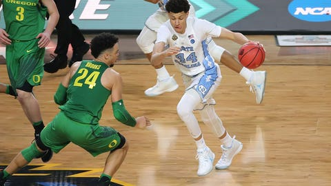 Justin Jackson attacks the Oregon defense.