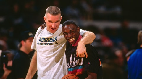 Chris Mullin and Avery Johnson hug it out