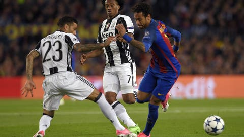 Barca targeted Juventus' right side