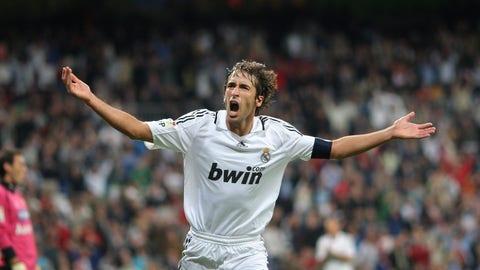 Raul Gonzalez - 144 appearances